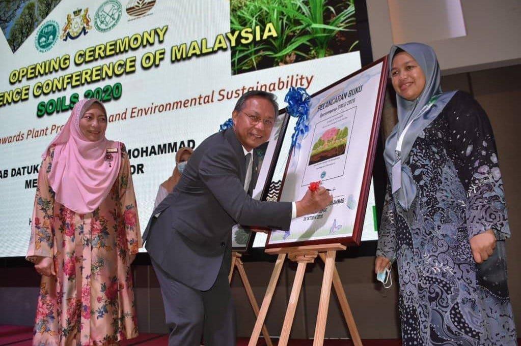 MB Johor lancar Persidangan Sains Tanah Malaysia