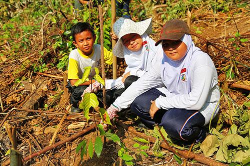 Enrichment Planting by Sekolah Angkat