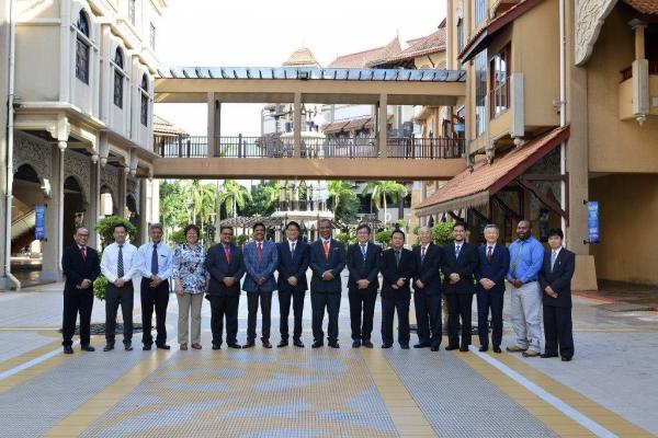 Gambar berkumpulan ahli-ahli yang menghadiri Mesyuarat Agong APAFRI.