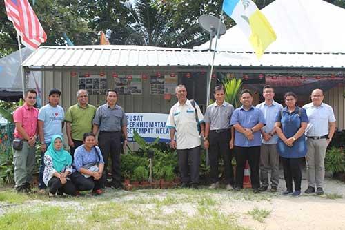 Gambar berkumpulan wakil-wakil SRS
